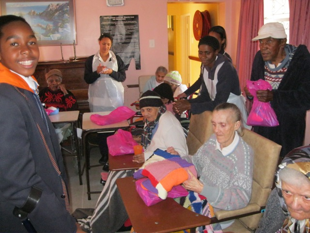 essay on visit to old age home